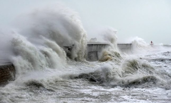 Flood warning: France's west coast set to be battered by massive waves and strong winds