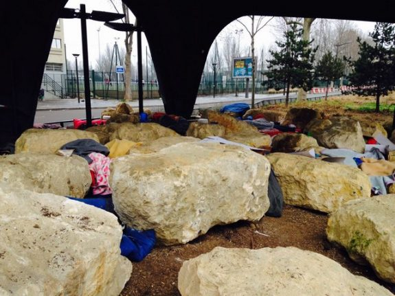 Paris deploys 'anti-migrant boulders' to thwart makeshift refugee camps