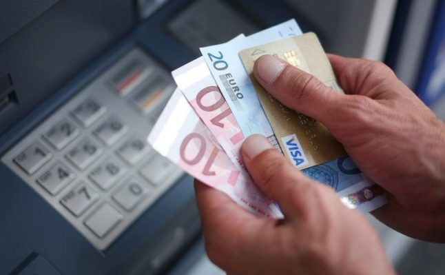 France cuts red tape to help disgruntled bank customers