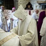 French bishop quits over 'inappropriate behaviour' with youngsters