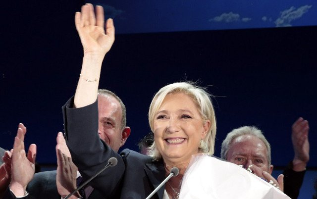 French politicians immediately call on voters to block 'extremist' Le Pen