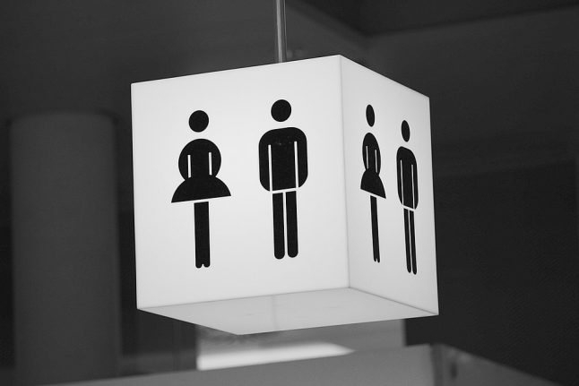 France rejects 'intersex' option on official documents