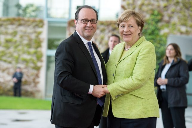 Hollande makes emotional final foreign stop in Berlin