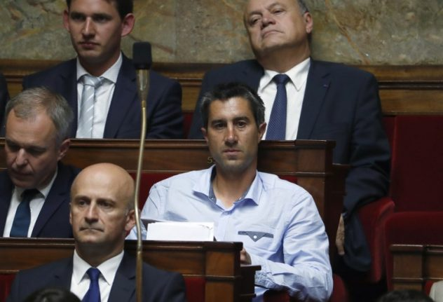 French MPs at each others' throats over whether they should wear ties in parliament