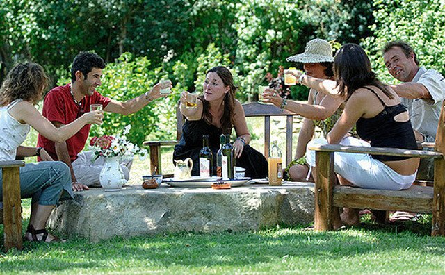 How much does the traditional 'apéro' really mean to French people?