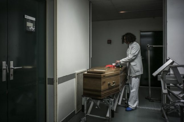 France lifts 30-year ban on embalming bodies of HIV deceased
