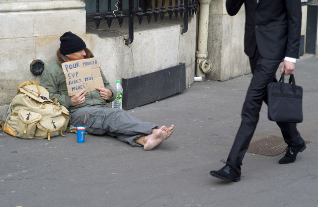 What you need to know about begging in Paris