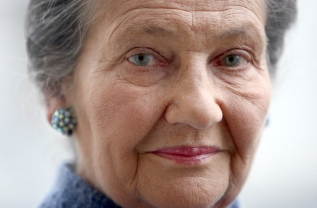 Bury Simone Veil in the Pantheon, French petition demands