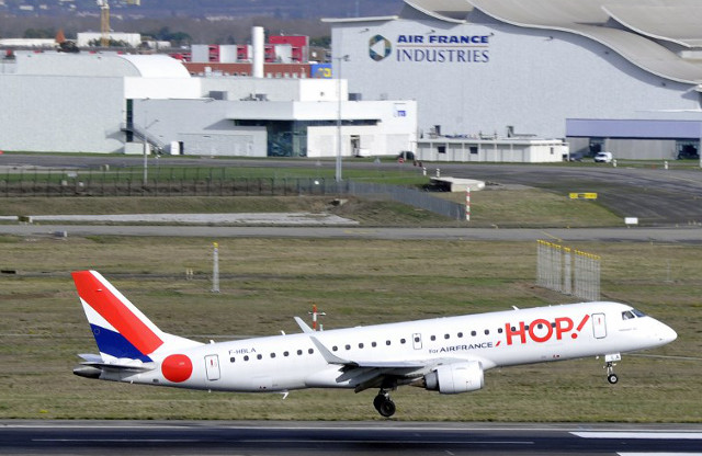 Pilots with French airline set to strike over July 14th holiday weekend