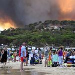 Wildfires: French locals help evacuated holidaymakers