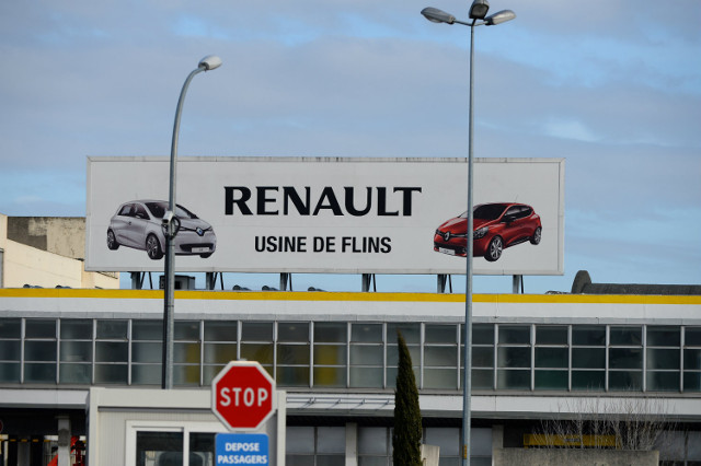 French carmaker Renault signs €660 million deal with Iran