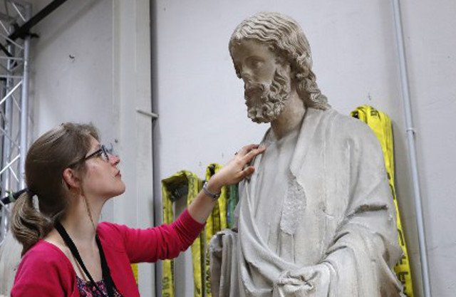 Scientists uncover secrets of 12 Christian relics in Paris