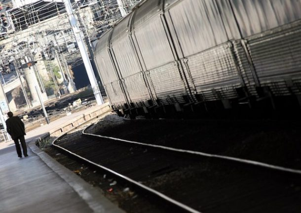 Fire strands thousands of rail passengers in southern France