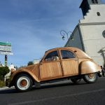 VIDEO: Frenchman takes his wooden Citroën 2CV out for a spin