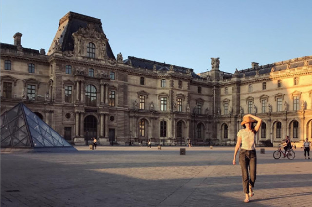 How you can live happily in Paris without speaking French