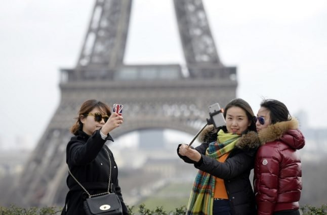 How ruthless French robbers have ruined 'romantic' Paris for the Chinese