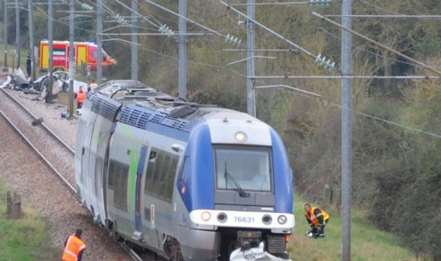 French couple and child killed at 'unprotected' rail crossing