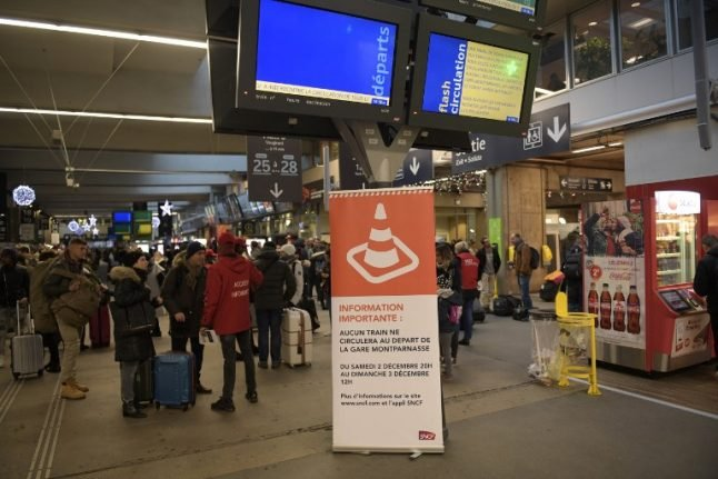 Train services resume at Montparnasse station after day of travel chaos