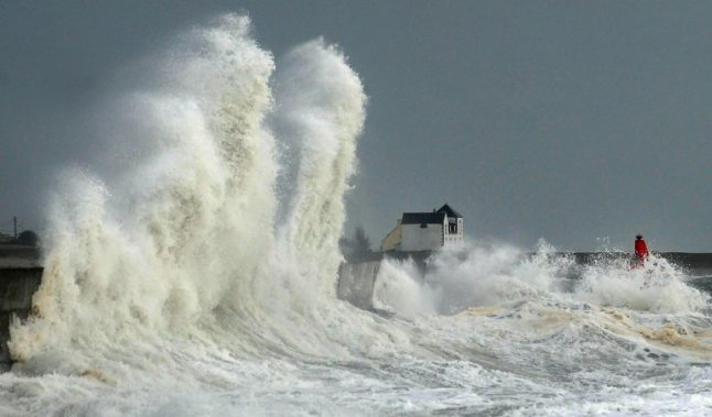 Wind, waves and snow: Public warned as extreme weather lashes France