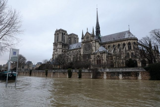 Paris floods latest: Transport hit as Louvre takes action due to rising River Seine