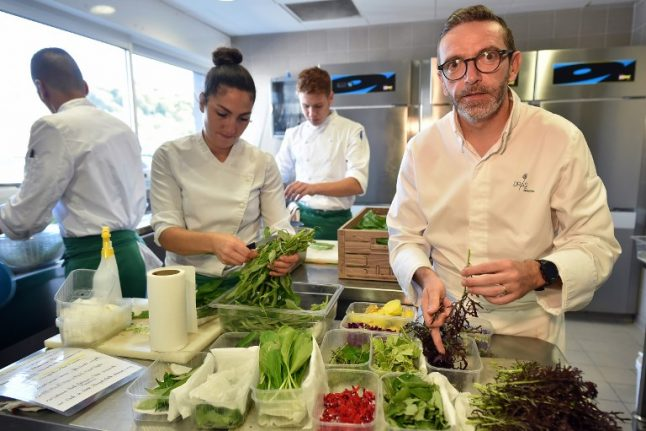 Michelin guide allows pressured French chef to hand back his three stars