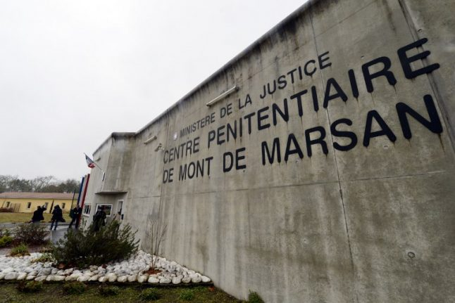 French prison guards hurt in two new attacks by radicalized inmates