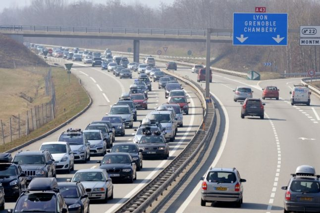 British man runs into French cops on epic 170km jog along autoroute to airport