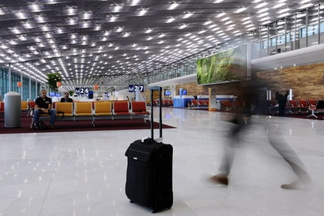 Homeless man who stole €500k from Paris airport finally snared
