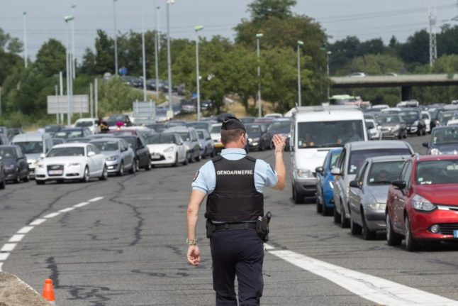 French highway cops hunt elusive 'good' drivers to hand out €50 rewards