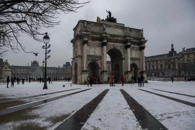 Paris and northern France issued new weather warnings for snow and ice