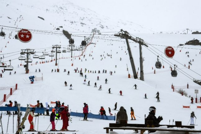 Three skiers killed by avalanche in Pyrenees