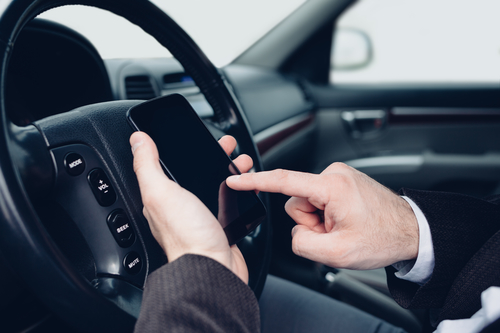 France bans drivers from using mobile phone even when car is stopped