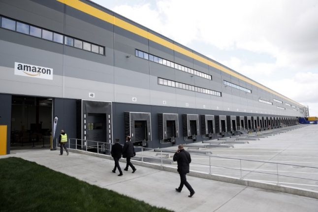 Amazon primed to hire 2,000 new employees in France