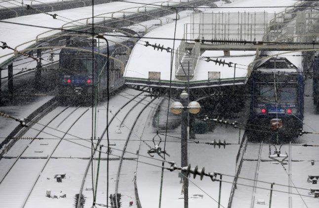 France weather LATEST: Freezing temperatures cause further travel disruption in Paris