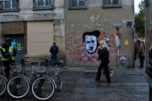 Street peeing: Over 5,300 Parisians pay €68 after being caught with their pants down