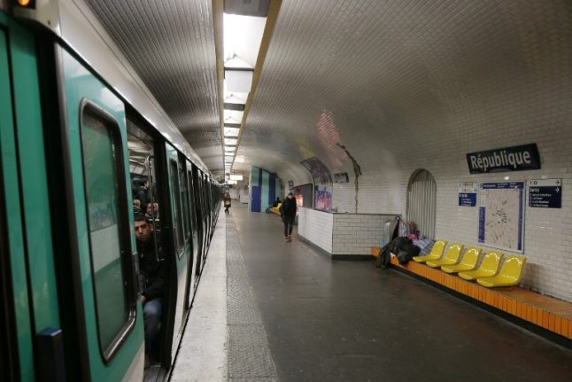 Paris: Metro passenger attacks man with blade after he was asked to stop smoking
