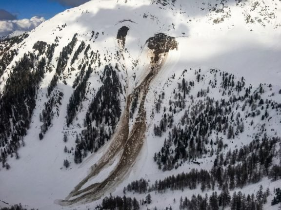 French nationals feared dead after Swiss avalanche