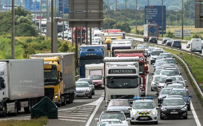 Calais could see traffic chaos on all roads after Brexit, port chief warns
