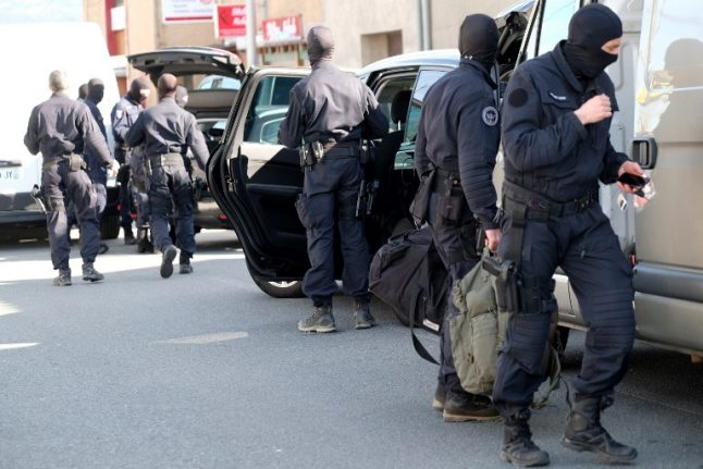 France salutes heroic cop shot by jihadist after swapping places with hostage