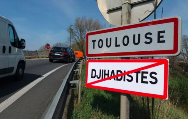 French police investigate 'No Jihadists' road signs at entrance to towns