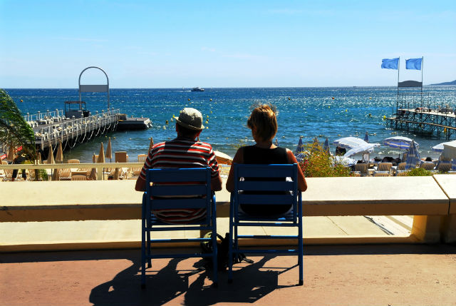 Sun, sea and lavender: People in south of France 'happier' than rest of country