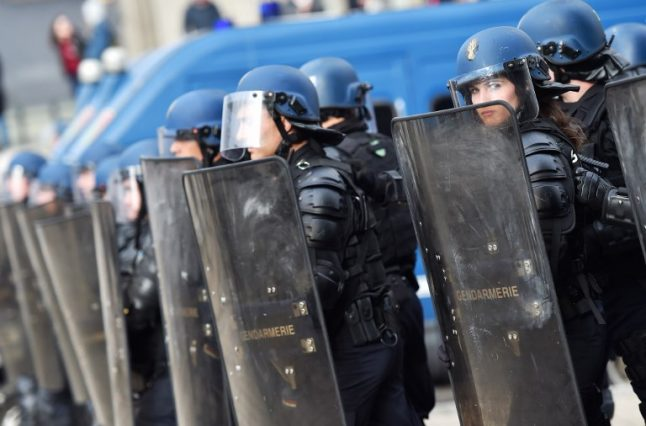 French police battle rioters in deprived Toulouse suburb