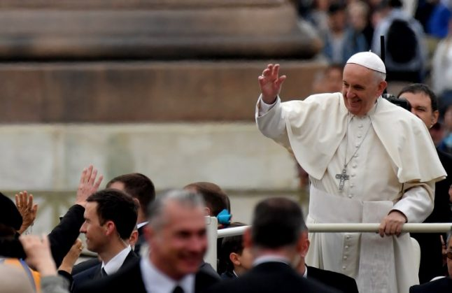 French student beaten for defending gay couple given private audience with Pope