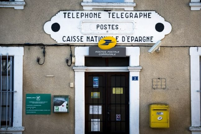 Every post office in France paralysed by computer bug