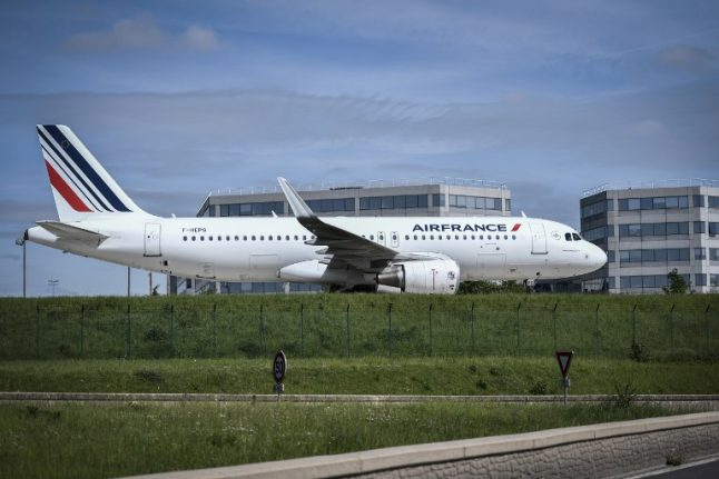 Air France to lose €300 million in earnings over strike action