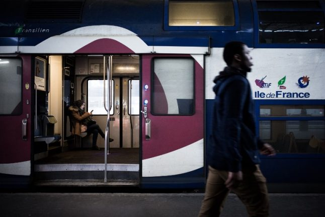 French rail strike weakens but disruption continues