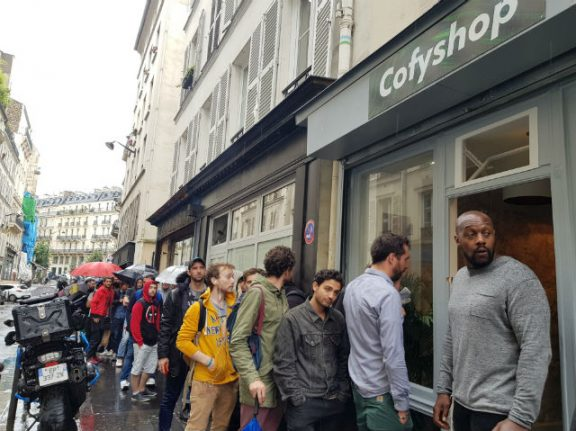 Paris: Cannabis 'coffee shops' raided and closed by police