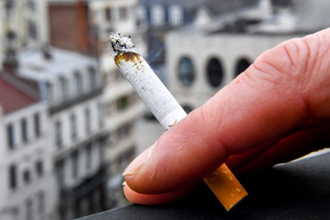 French risk 'preventable' cancers by smoking, drinking and eating unhealthily