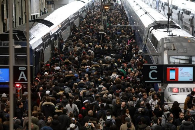 French rail strikes latest: First weekend of holidays to be hit