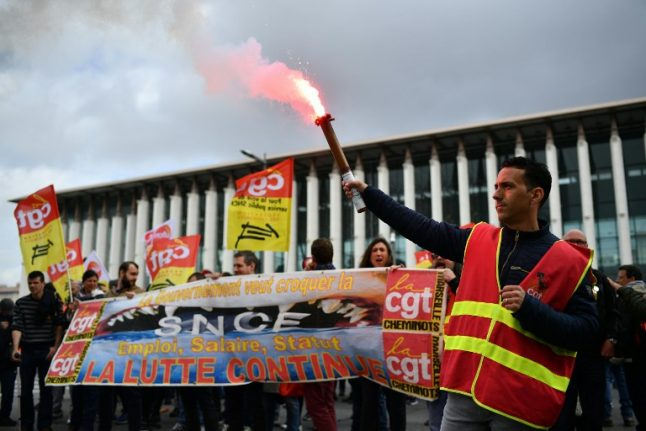 Defiant French rail union to continue strike action into summer